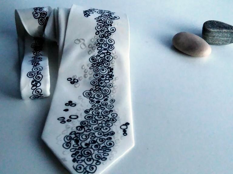 67df818651c Hedvábná originální kravata bílá